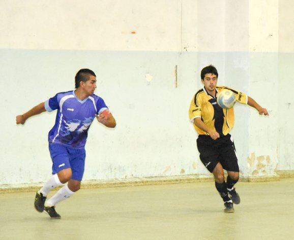 El fútbol de salón oficial tendrá actividad hoy y mañana por el torneo Apertura Luis Florentino Pizarro.