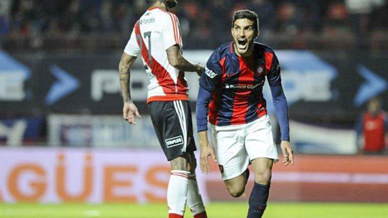 Nicolás Blandi viene de marcarle dos goles a River.