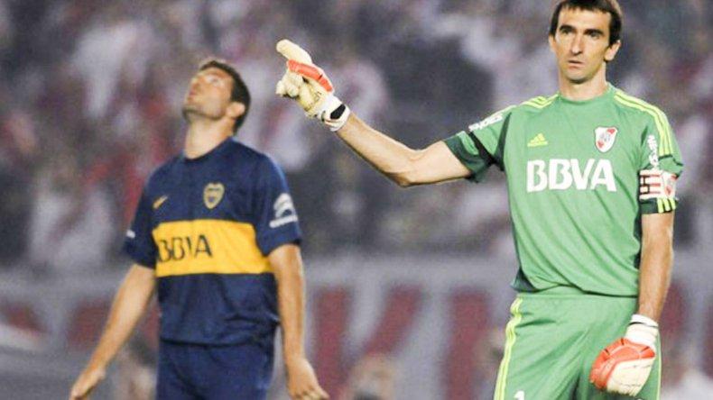 Marcelo Barovero cuando le contuvo un penal a Emanuel Gigliotti.