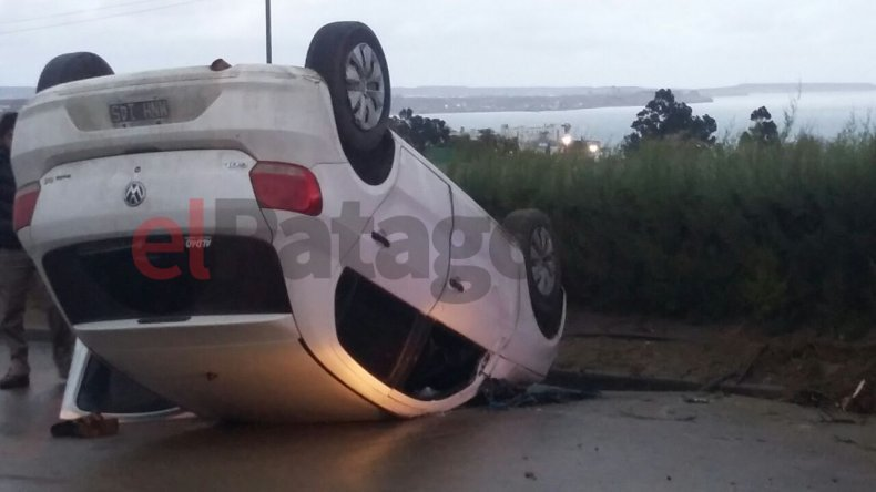 Conducía alcoholizado y volcó en Kilómetro 3