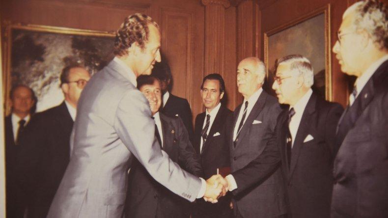 Bernal recibe el saludo del Rey Juan Carlos de España