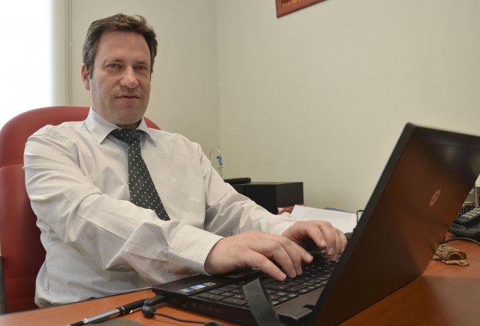 Alejandro Soñis es uno de los tres jueces que integran el tribunal.
