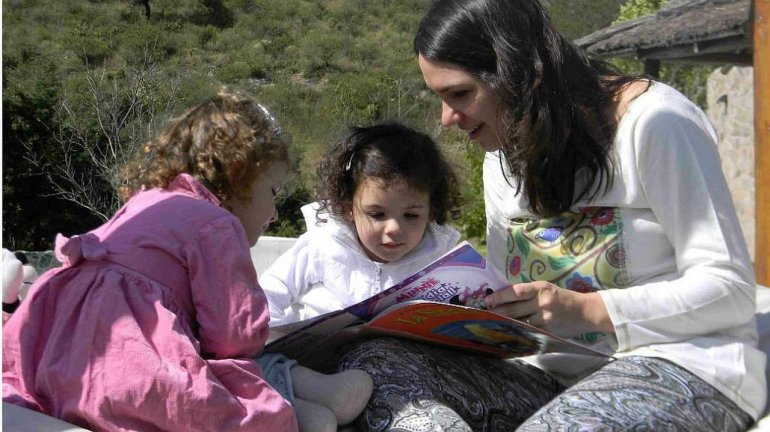 Buscan sindicalizar a las niñeras en Chubut