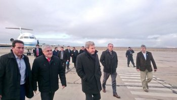 Así llegaba el ministro del Interior, Rogelio Frigerio a Trelew para inaugurarlas instalaciones del Instituto Penitenciario.