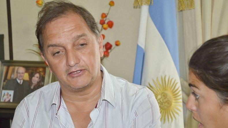 Linares insiste en remarcar que el ministro de Gobierno jamás se ha interesado por los problemas de Comodoro.