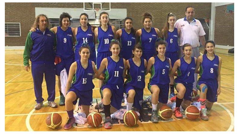 La selección femenina de básquetbol de Chubut que participa en los Juegos de la Patagonia.