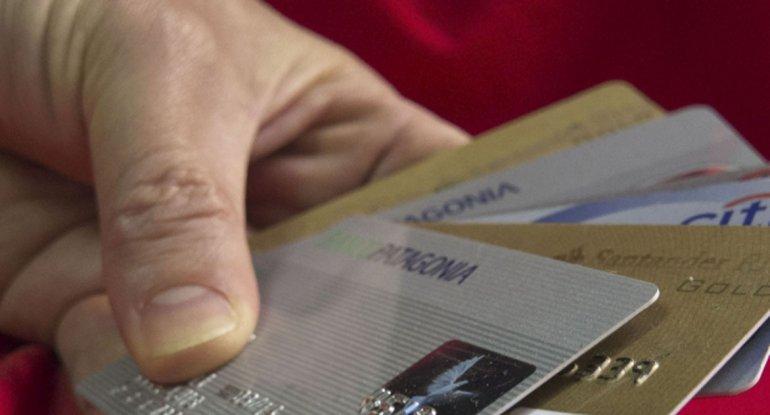 Las tarjetas no podrán cobrar intereses que superen el 25% de la tasa aplicada a préstamos personales.