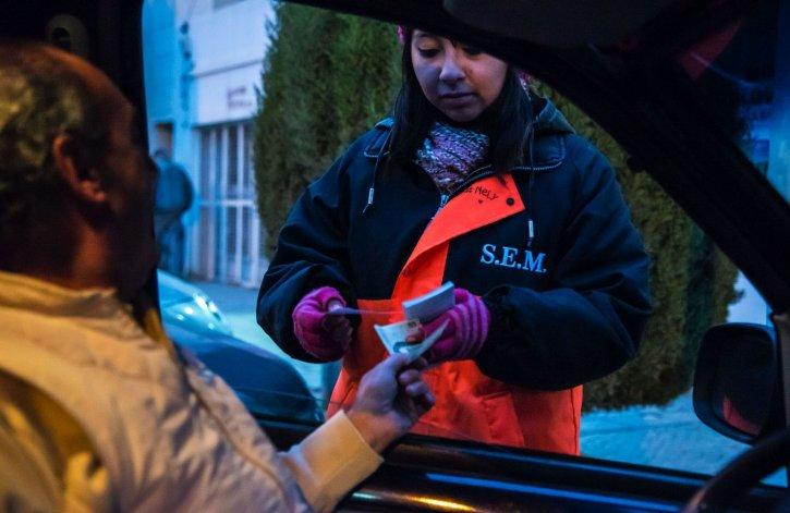 Hoy en día el sistema de la tarjeta de estacionamiento no contempla un sistema alternativo de pago digital.