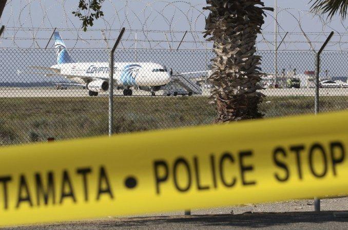 Confirman que el avión de EgyptAir se estrelló y no descarta un ataque terrorista