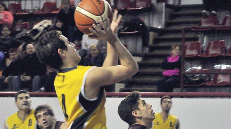 Náutico Rada Tilly quedó a tres unidades del líder Gimnasia en el torneo Apertura.