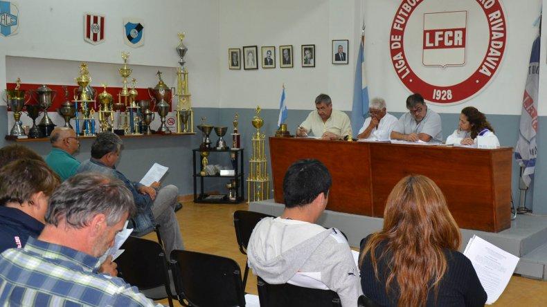 En los pasillos de la Liga de Fútbol se habla de una remodelación del fútbol local para el segundo semestre.