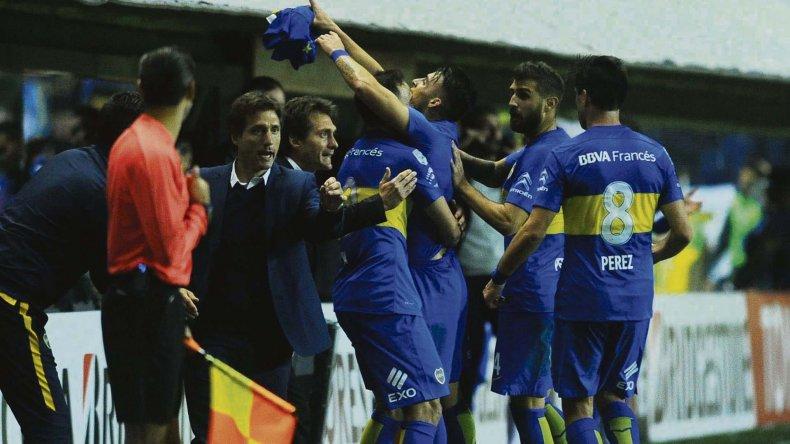 Cristian Pavón fue autor del gol que le permitió a Boca definir el partido ante Nacional desde el punto del penal.
