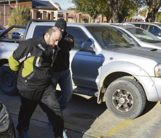 El apresado en la Bajada de Quitral Co fue trasladado al Juzgado Federal de Caleta Olivia para prestar declaración indagatoria.