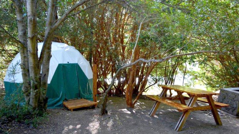 Los domos permiten disfrutar de lo mejor de dos experiencias: acampar y hospedarse en un hotel.