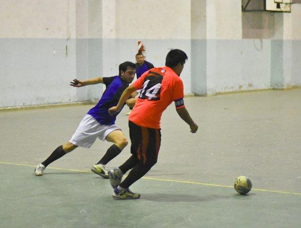 El fútbol de salón de Comodoro Rivadavia continuará hoy con sus respectivos torneos.