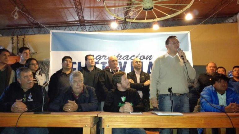 El sector del peronismo que respalda al intendente de Trelew confluyó ayer en Dolavon. Por Comodoro estuvieron José Glinski y Darío Espinosa.
