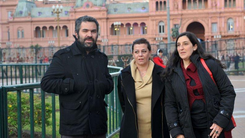 Martín Galli es uno de los sobrevivientes de la represión. María Arena perdió a su marido y Karina Lamagna a su hermano.