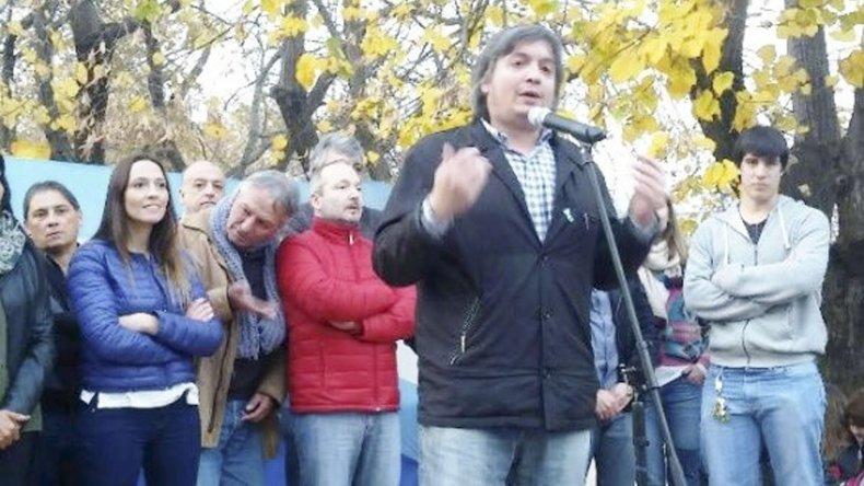 El diputado nacional Máximo Kirchner durante su visita al partido bonaerense de Quilmes.