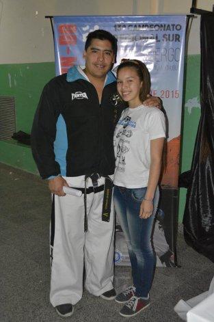 Sergio Oyarzo junto a Leila Ramos