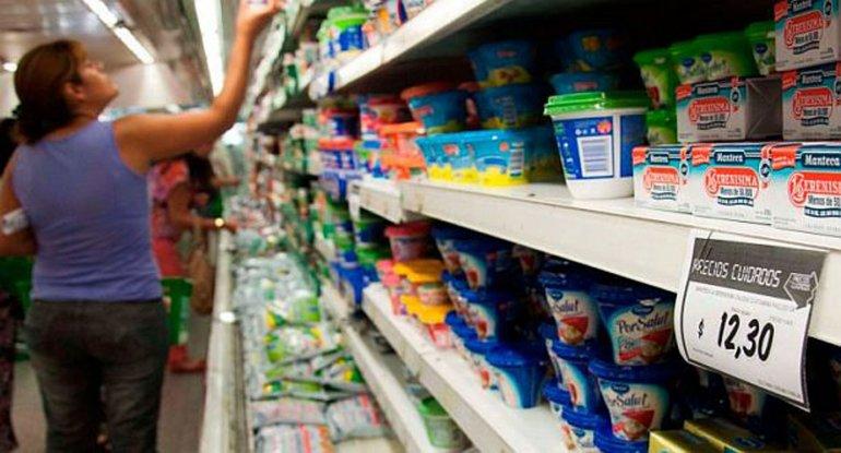 Afirman que el consumo se contrajo en el último semestre