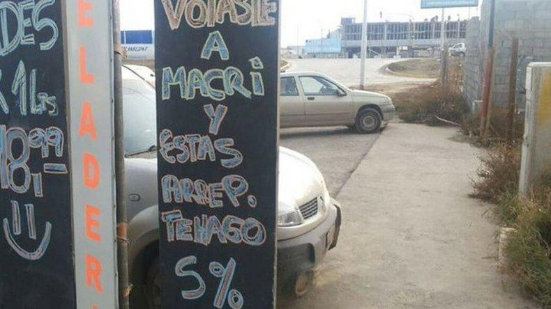 Comerciante realiza descuento si votaste a Macri y estás arrepentido