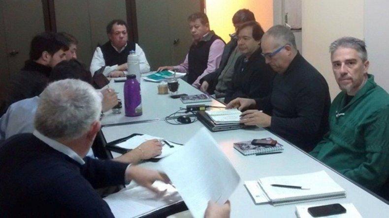 Las negociaciones salariales entre representantes del gobierno provincial de los docentes volvieron a fracasar ayer
