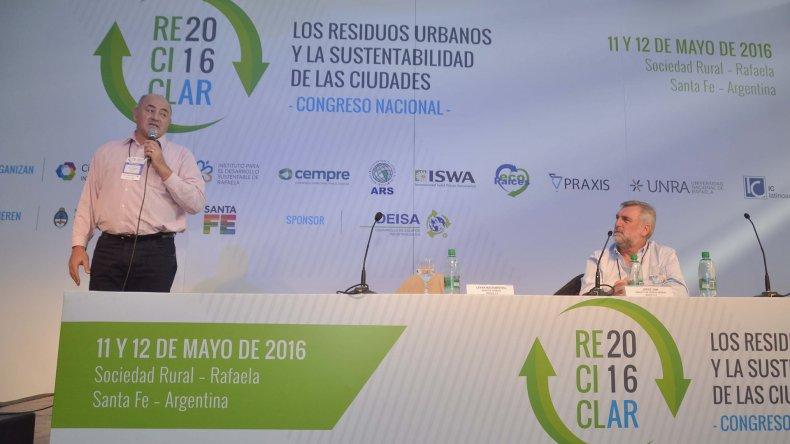 Levan Macharasvilli expuso sobre el trabajo que viene desarrollando Urbana en Comodoro Rivadavia y Rada Tilly.