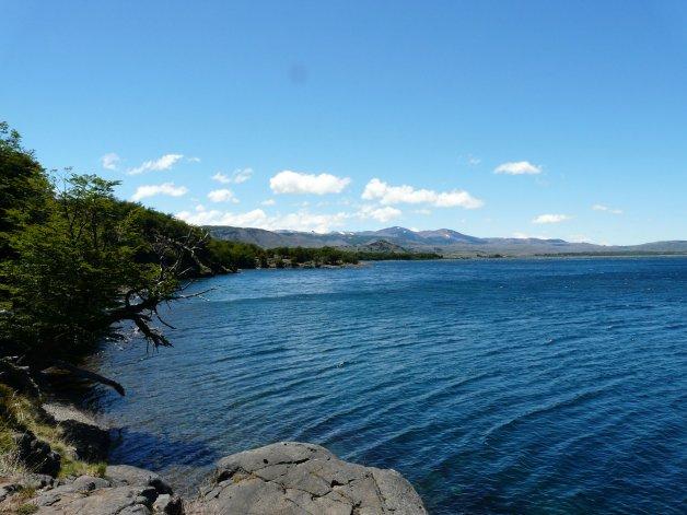 En el lago Fontana proyectan un dique con el tamaño de 15 cuadras.