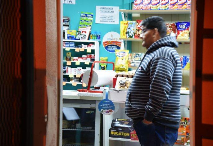 La víctima y sus familiares estaban indignados por el robo armados ocurrido a dos semanas de haber inaugurado el kiosco.