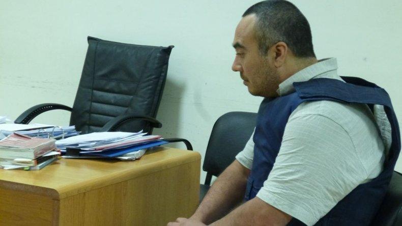 El fiscal Martín Cárcamo intenta obtener información científica que le permita identificar al depravado que junto a Miguel Pallalaf -foto- violó y mató a la niña Yasmin Chacoma.