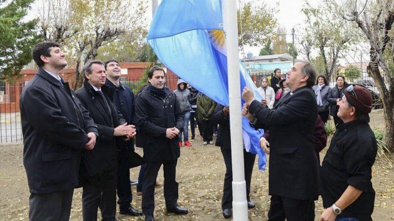 Los vecinos de Restinga Alí también celebraron el aniversario del 25 de Mayo.