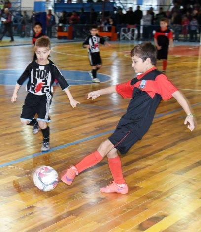 El futsal infantil disfrutó de una nueva fecha con 40 partidos en la CAI.