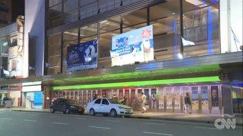 informe de la cnn por el apagon en los teatros de calle corrientes