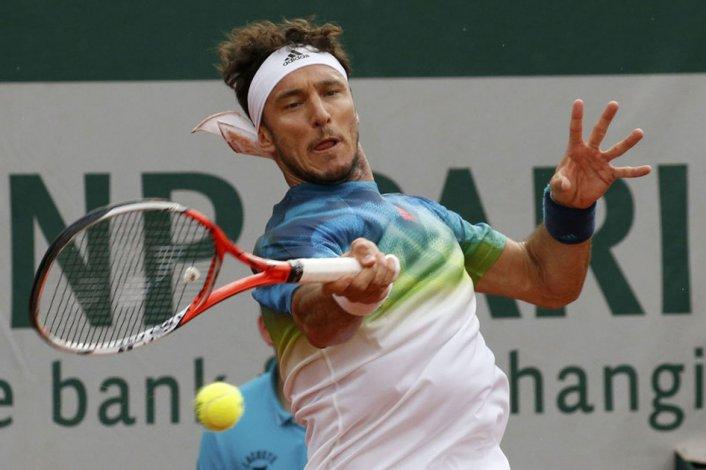 Juan Mónaco también quedó eliminado del segundo Grand Slam de la temporada que se disputa en París.