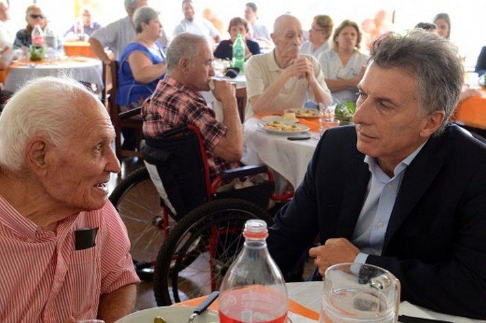 Macri anuncia el pago de la deuda a los jubilados
