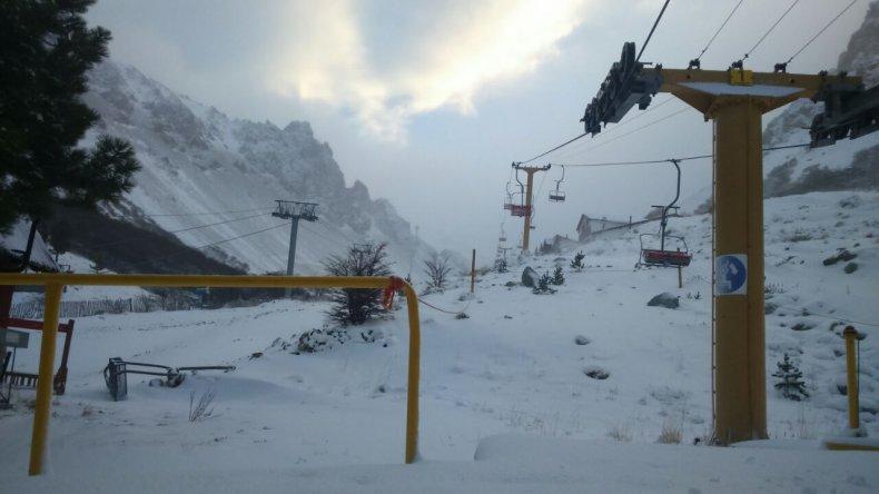 ¡Cayó la primera nevada en el Cerro La Hoya!