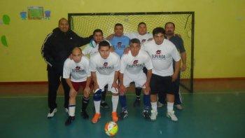 Uno de los equipos que participa en el torneo de futsal del Sindicato Petrolero Jerárquico.