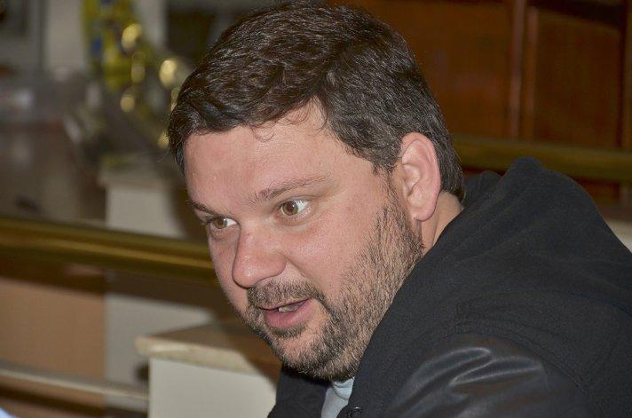 El diputado Igón dijo que Das Neves hizo muy bien en amparar a todo el pueblo de Chubut.