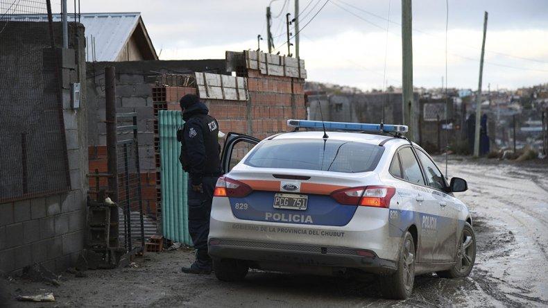 Los procedimientos que la policía realizó el jueves en la extensión del San Cayetano.