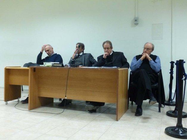 Buzzi y Di Pierro concurrieron ayer a los tribunales penales e irán a juicio por una demanda contra el municipio.