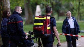 once personas fueron alcanzadas por un rayo en un parque de paris