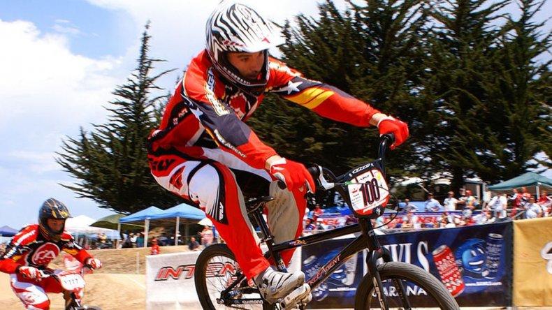 Cristian Becerine logró el título  mundial de BMX en Medellín