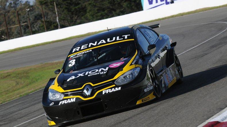El Renault Fluence de Leonel Pernía se quedó con el mejor tiempo en el Super TC2000.