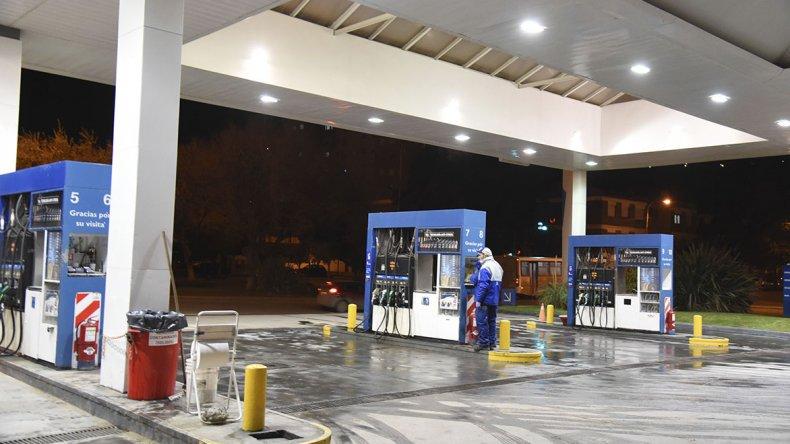 Cae el consumo de combustibles y ya  pone en riesgo a estaciones de servicio