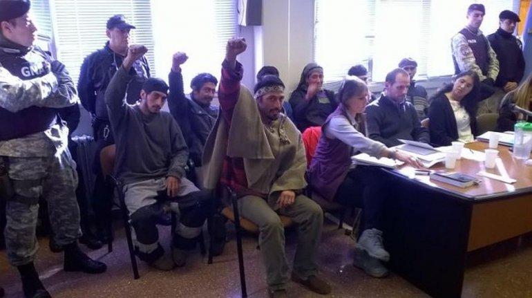 Jones Huala continuará detenido y provincia asegura que no hubo desalojo