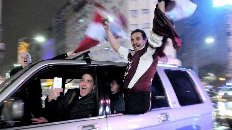 Hinchas y jugadores de Lanús festejaron el campeonato