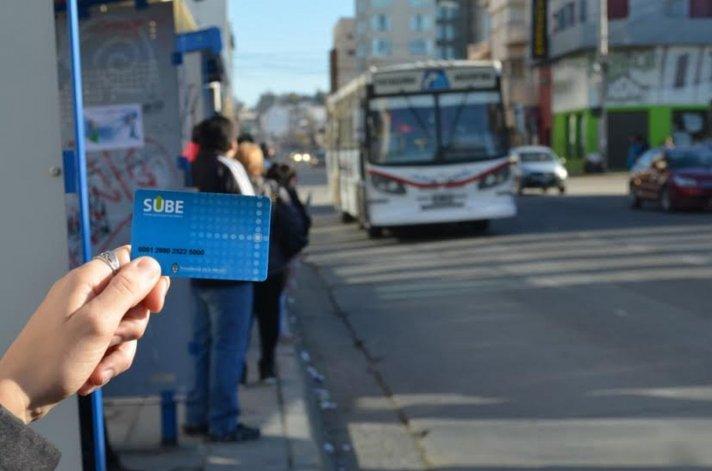 En el primer día de funcionamiento ya se entregaron mil tarjetas SUBE