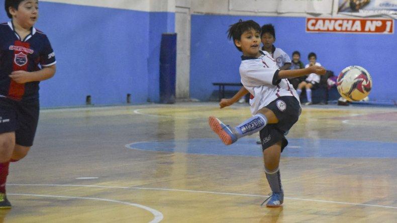 Los chicos disfrutaron de otra jornada con muchos goles en la sede de la CAI.