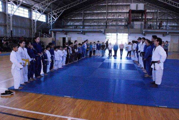 Convocante primer encuentro del judo municipal en iniciación