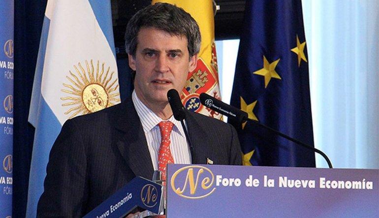 Prat Gay pidió perdón en España por la expropiación de YPF